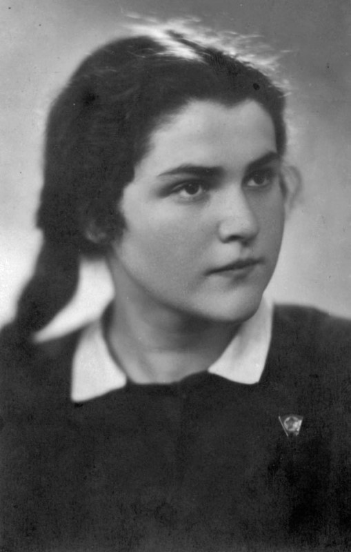 Eva in 1948, private archive of Evelina Merová