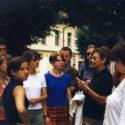 Dagmar Lieblová s německými studenty v Terezíně, r. 1998