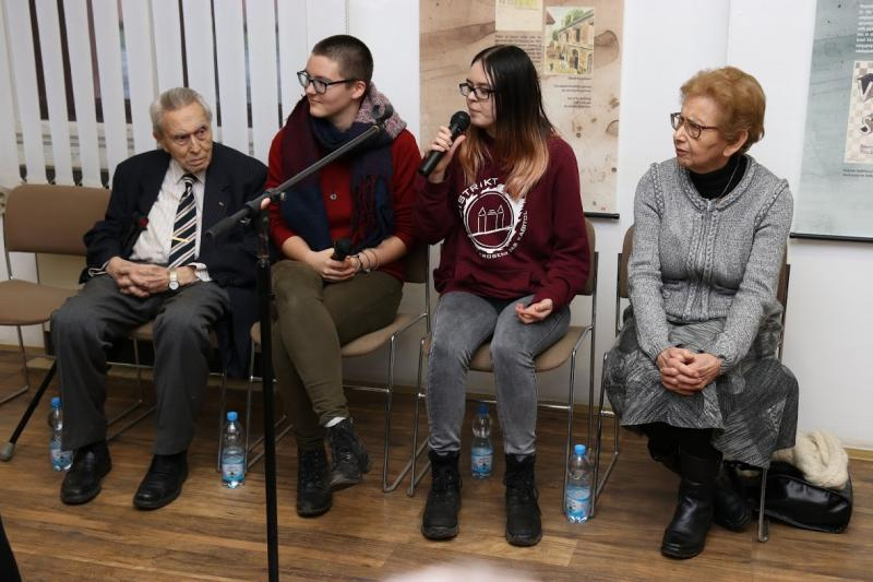 Debate with Holocaust survivors – Mrs. Dagmar Lieblová (right) and Mr. Felix Kolmer (left) during a commemorative act on the Day of Remembrance for Holocaust Victims, Small Fortress, Terezín Memorial, photo: Radim Nytl