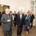 Prezident Německa Joachim Gauck si se svou životní partnerkou Danielou Schadt v doprovodu zástupce ředitele Památníku Terezín Vojtěcha Blodiga prohlédli expozici Muzea ghetta v Terezíně, květen 2014. Foto: Radim Nytl, Památník Terezín