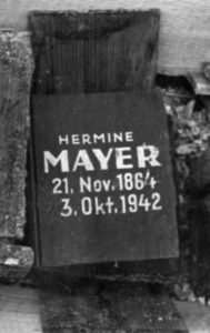 Cinerary urn of Hermine Mayer – after its find in 1958, Terezín Memorial, Documentary Dept. – Photoarchive.