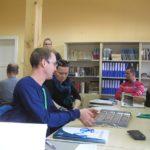 Práce seminaristů s dokumenty v archivu muzea