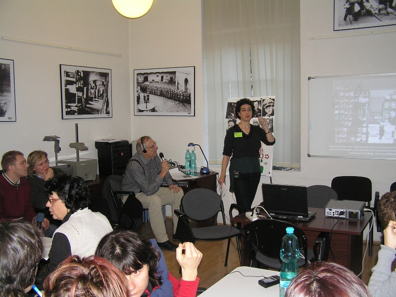 Aleisa Fishman z USHMM ve Washingtonu, U.S.A., při workshopu