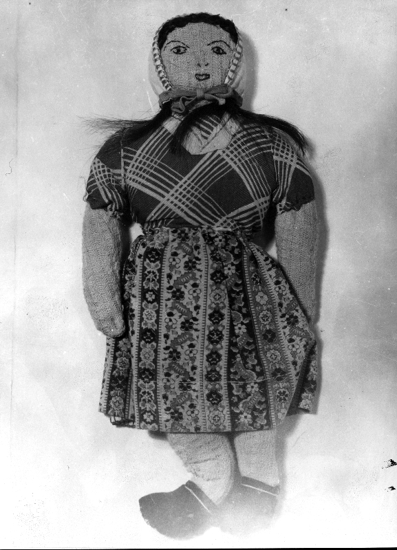 Doll made by Terezie Beňová, related to Josef Valčík. It was sent from the Small Fortress to the children., APT 1509_1